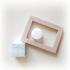 a peaceful world HUG Solid Perfume
